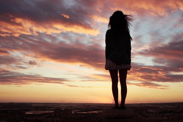 Cảm thấy cô đơn, lạc lõng giữa dòng đời mà không có gia đình bên cạnh
