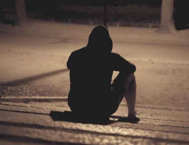 Hình ảnh boy buồn cô đơn