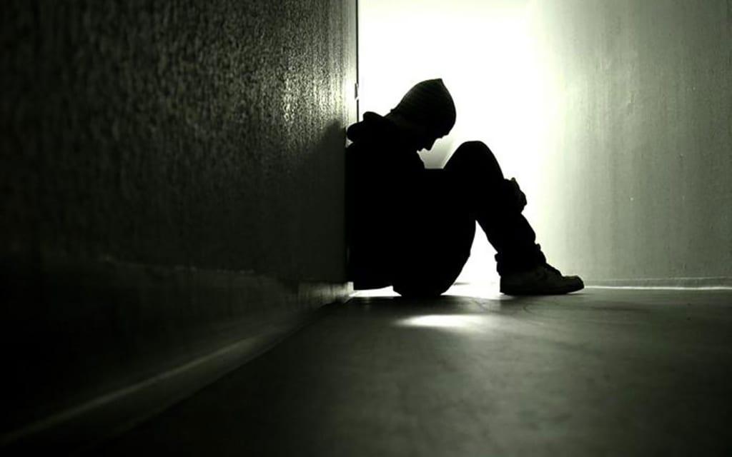 Hình ảnh buồn cô đơn một mình