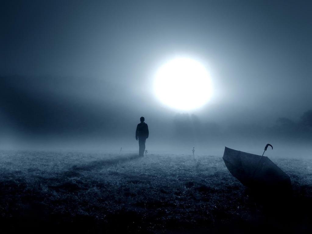 Hình ảnh buồn cô đơn nhất
