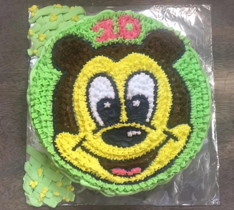 Mẫu bánh sinh nhật trang trí bằng topping