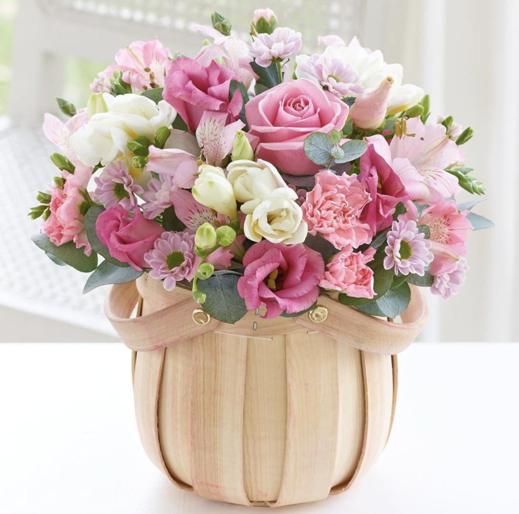 Tặng hoa sinh nhật thể hiện tình yêu và tình cảm chân thành