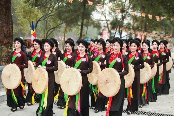 Áo tứ thân được mặc vào các dịp lễ truyền thống