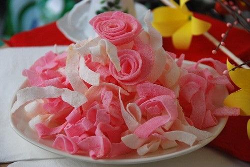 Món mứt dừa màu hồng đẹp mắt