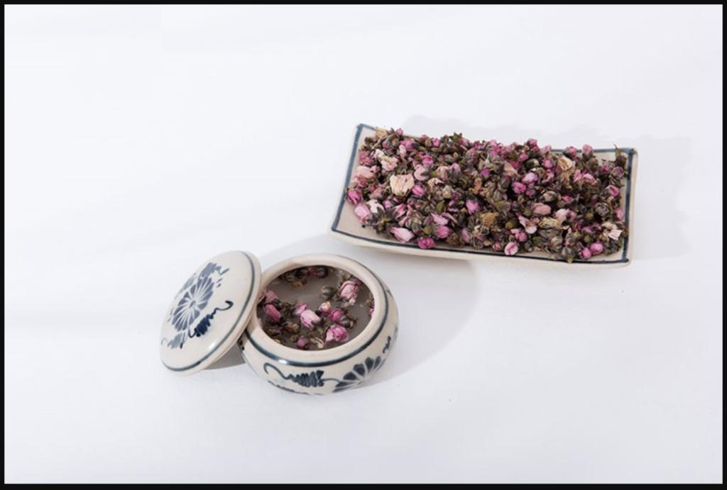 Hoa đào có tác dụng chữa đau lưng và làm nước uống chữa viêm