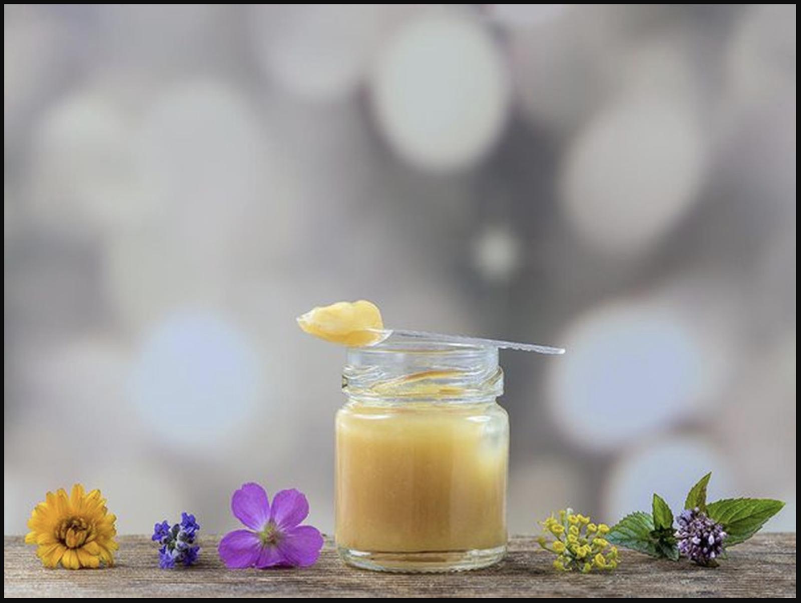 Trong thành phần của sữa có chứa nhiều chất chống viêm
