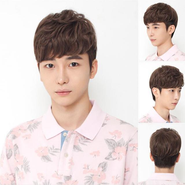 Kiểu tóc nam mái xoăn mang lại vẻ mềm mại ưa nhìn