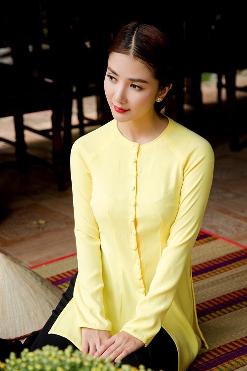 Áo bà ba hiện đại có nhiều màu sắc đa dạng và nổi bật hơn