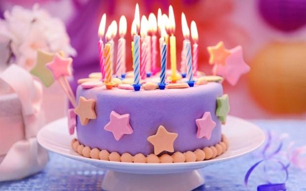 Thắp nến trên bánh sinh nhật mang ý nghĩa đặc biệt